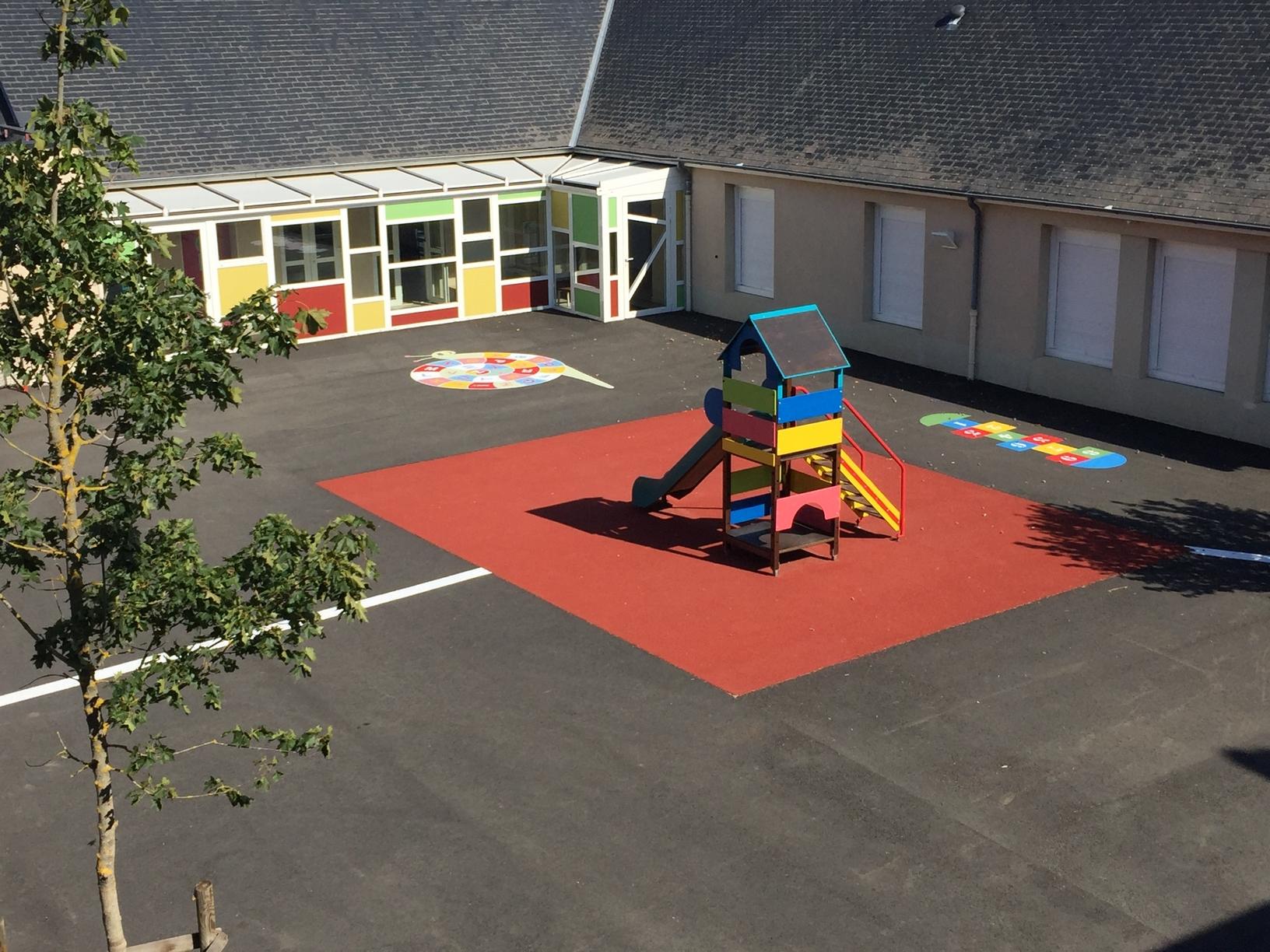 Audacieux Saint-Denis-sur Loire école lorjou RH-24